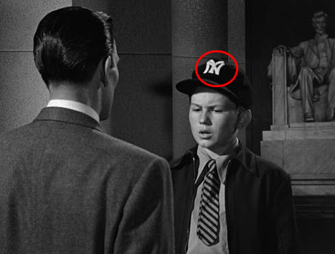 Product placement NY cap - The Day Earth Stood Still