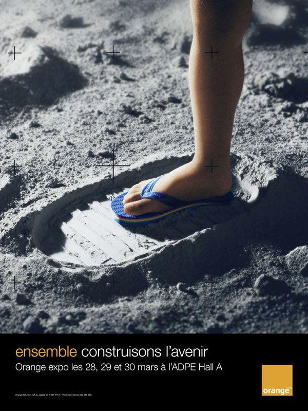 publicité homme sur la Lune Orange