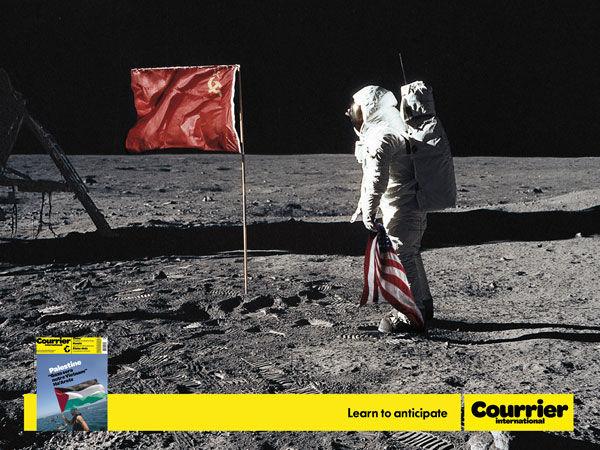 publicité homme sur la Lune Courrier International