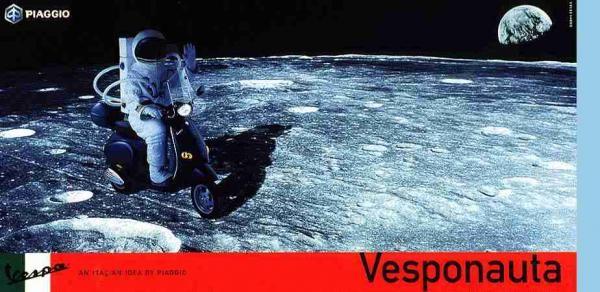 publicité homme sur la Lune Vespa