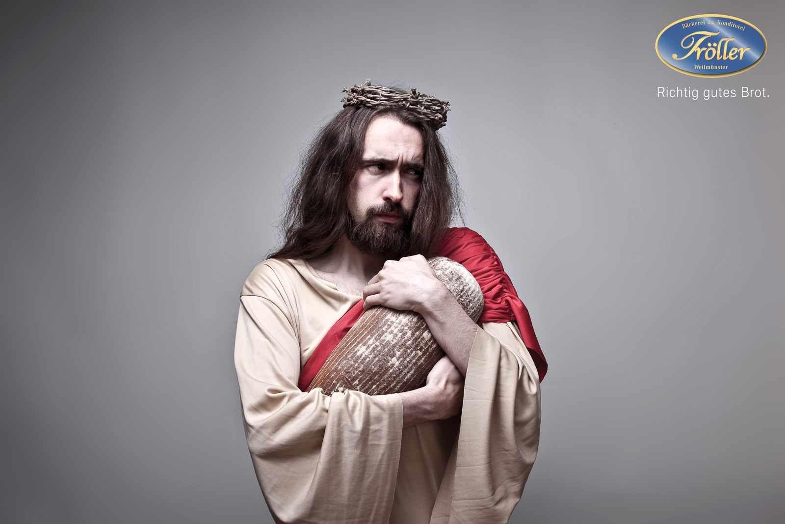 J 233 Sus Christ Ic 244 Ne Publicitaire 30 Pubs Recyclant Le Messie