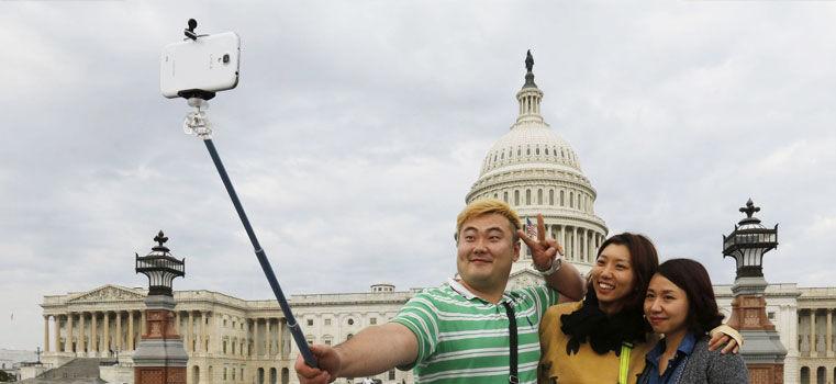 Selfie stick : ce bout de métal pour narcissiques au bras court
